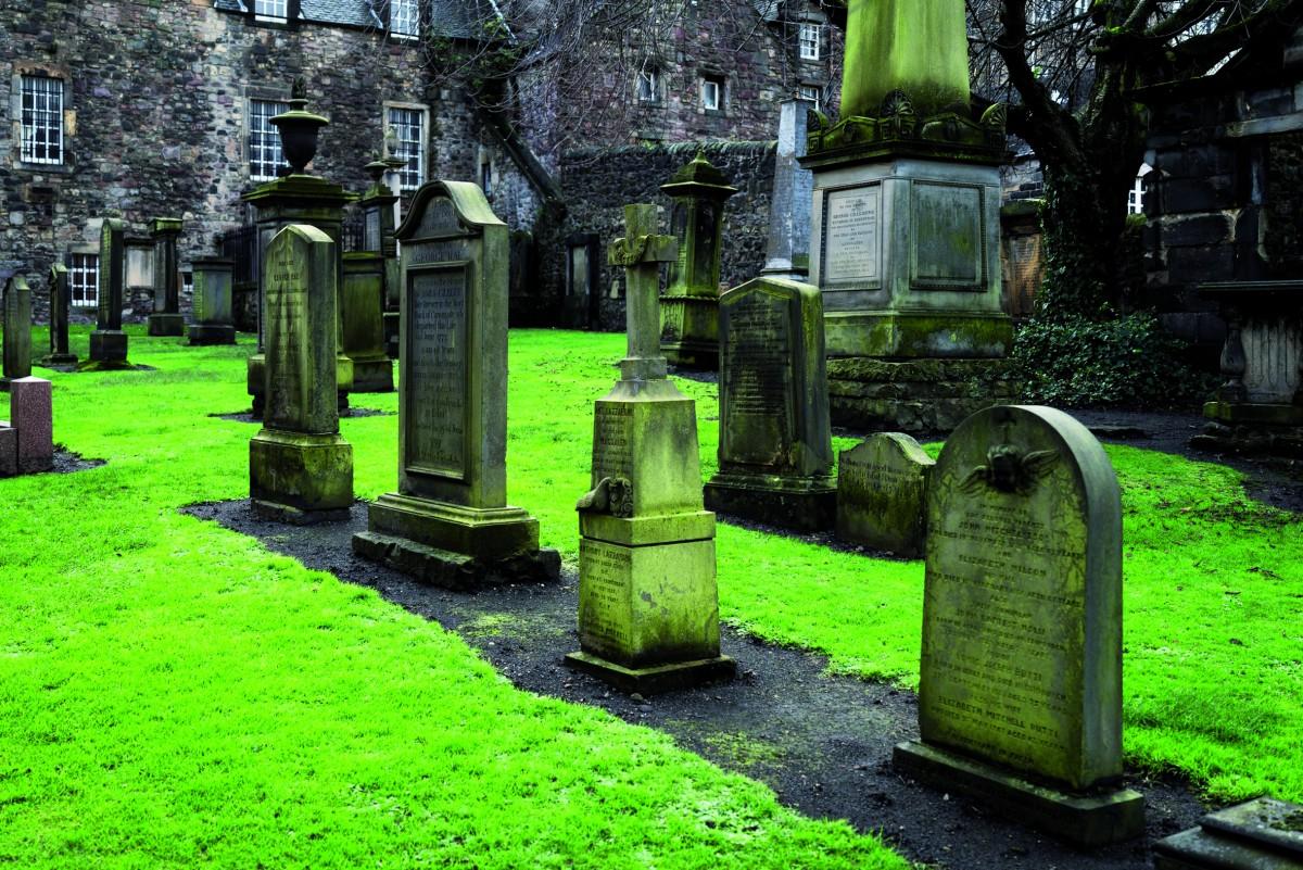 Traditioneller Friedhof in Schottland