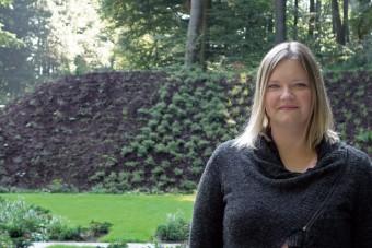 Judith Könsgen von der Deutschen Friedhofsgesellschaft.